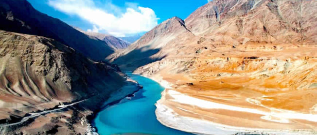 Kashmir-Ladakh (7 N/ 8 D)